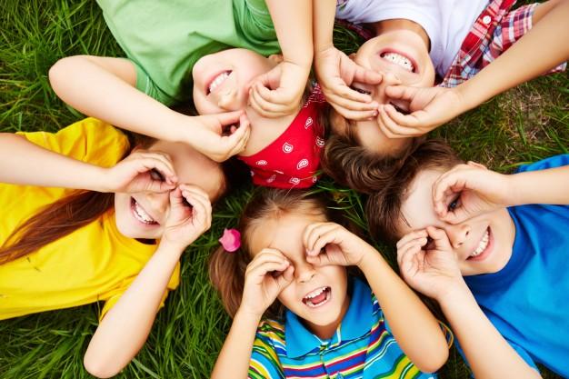 El Nivel Inicial tiene como propósito que los niños vivan experiencias que contribuyan a sus procesos de desarrollo y aprendizaje.