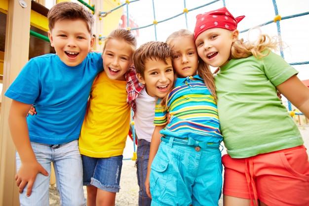 El 20 de noviembre de 1959, en una asamblea se aprobó la Declaración de los Derechos del Niño, luego en 1989, se estableció la Convención sobre los Derechos del Niño y se estimuló a los países a que establecieran una fecha para su celebración.