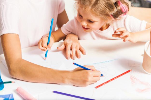 """Los niños y las niñas de Sala de 4 A del turno mañana acompañados por la Seño Naty trabajaron """"LA CREACIÓN"""" en marco del Proyecto de Catequesis."""