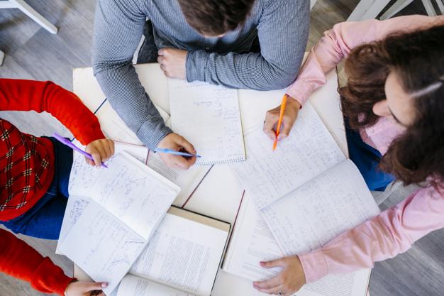 Si tenés 18 años, terminaste el secundario en años anteriores al 2019 y adeudas materias, el Ministerio de Educación Provincia de Córdoba pone en marcha el PLAN FINES, línea Deudores de Materias edición 2020.